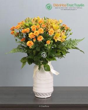Elegant Bi-Color Spray Roses