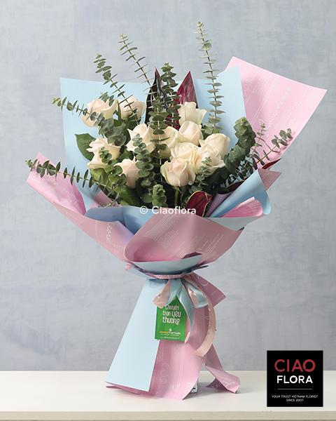 12 Classic Roses
