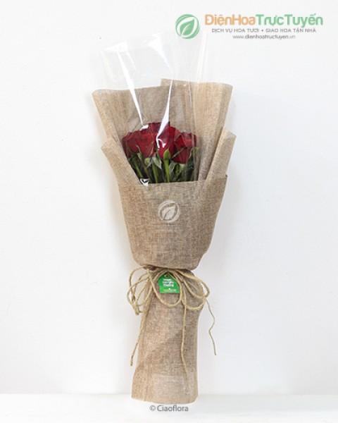 Rustic red roses