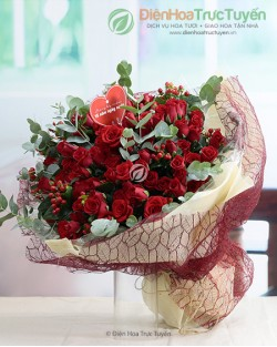 Huge bouquet of 100 red roses