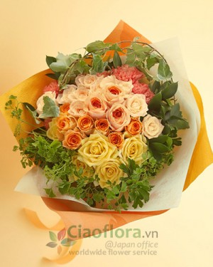 Glaceful hand-tied bouquet