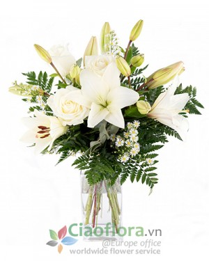 Arrangement of white blooms